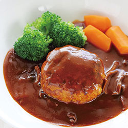 熊本県産あか牛煮込みハンバーグ